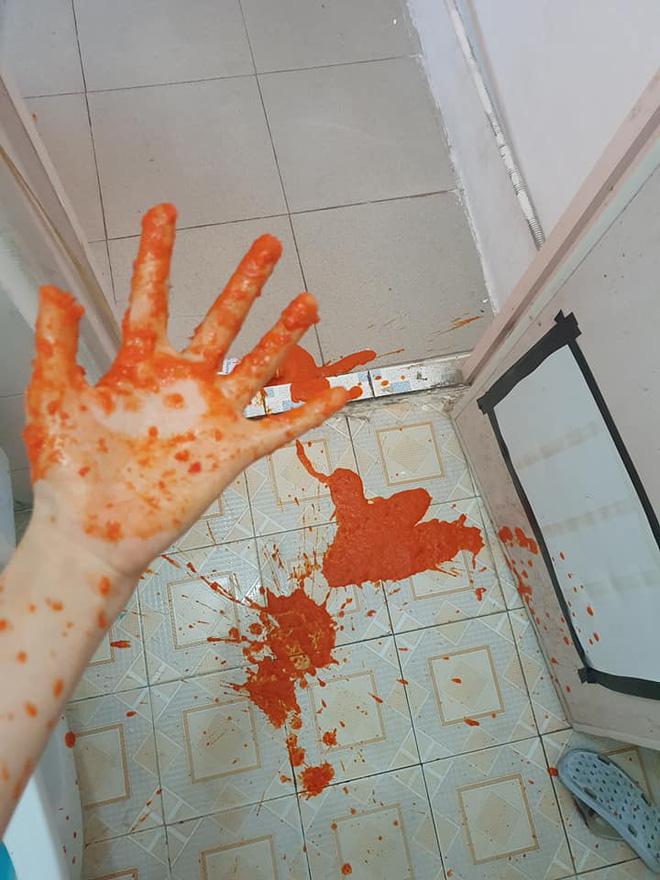 Hí hửng mua được lọ tương ớt đặc sản ở Sa Pa về, cô gái không ngờ vì tạo ra vụ nổ như hiện trường... án mạng - Ảnh 1.