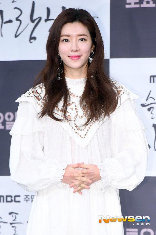 Chồng nữ diễn viên Park Han Byul thừa nhận môi giới mại dâm, biển thủ trong bê bối lớn nhất lịch sử Burning Sun - ảnh 2