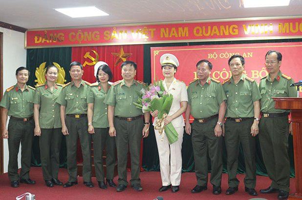 Bổ nhiệm nữ Thiếu tướng giữ chức Cục trưởng, Bộ Công an - Ảnh 1.