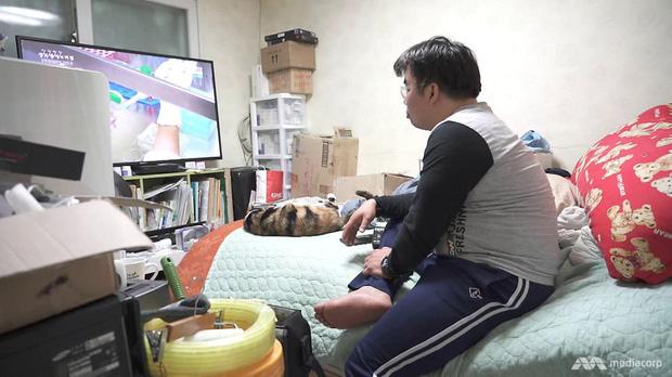 Quả bom nổ chậm tại Hàn Quốc: Giới trẻ làm 1 tiêu 10, nợ nần dồn ép đến mức phải tự tử - Ảnh 1.