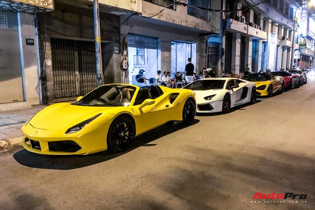 Dàn siêu xe và xe thể thao hội ngộ lúc nửa đêm, thành lập nhóm siêu xe thứ 2 tại Việt Nam - Ảnh 1.