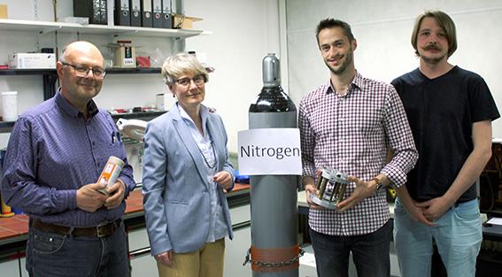 Đột phá: Giới khoa học vừa tạo ra Nitơ đen giúp giải câu đố hóc búa của hóa học - Ảnh 2.