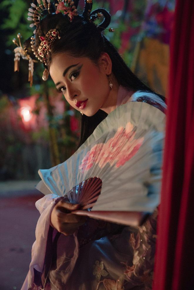 Mời Ngọc Trinh vào MV mới: Giải mã sự khôn ngoan và đầy toan tính của Chi Pu - Ảnh 3.