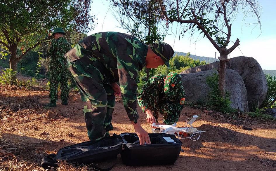 Chùm ảnh: Sử dụng thiết bị trên không, quyết tìm dấu vết Triệu Quân Sự trên núi Hải Vân