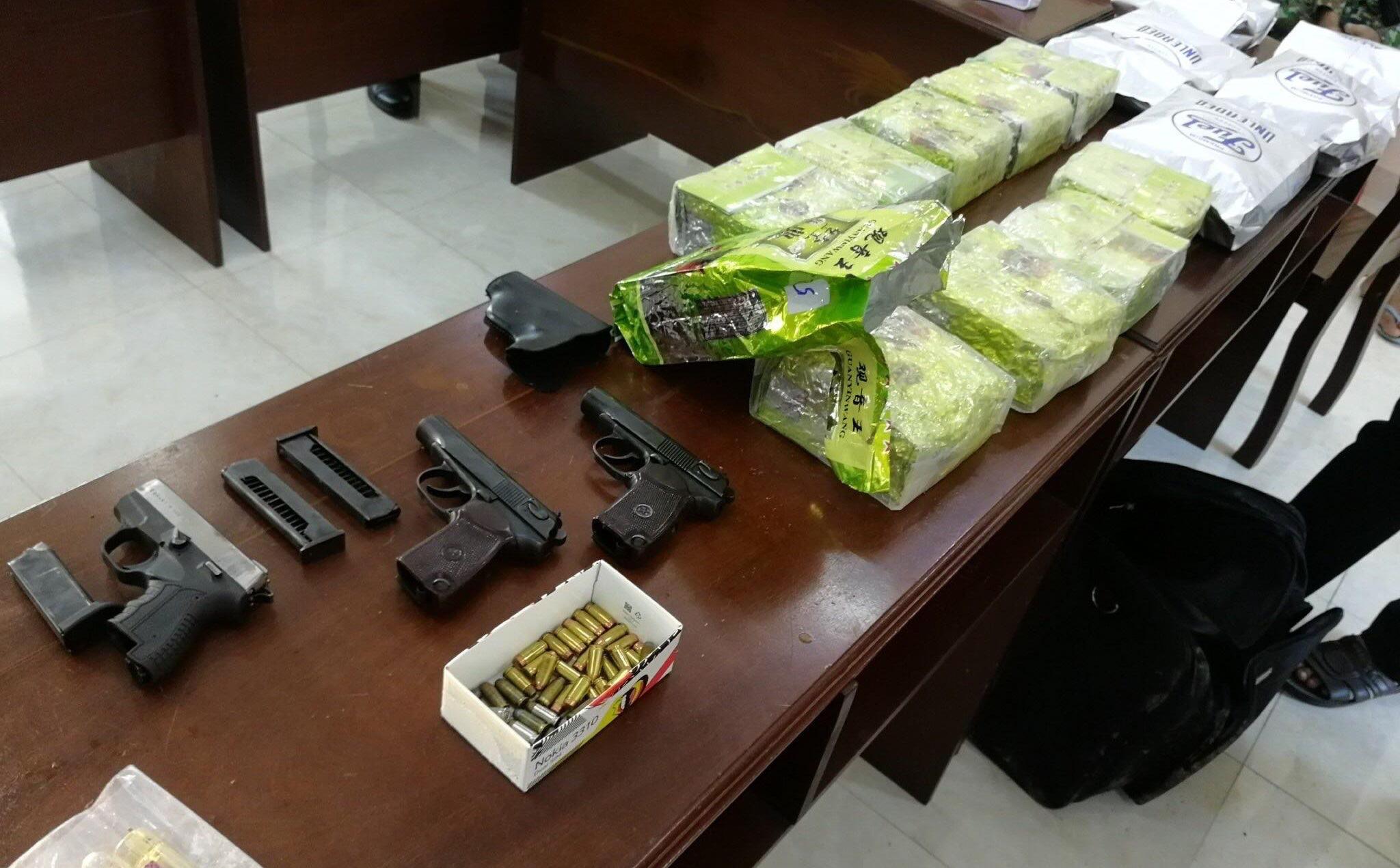 Bắt thêm 6 người liên quan đường dây vận chuyển 3 khẩu súng cùng hơn 20kg ma túy qua biên giới