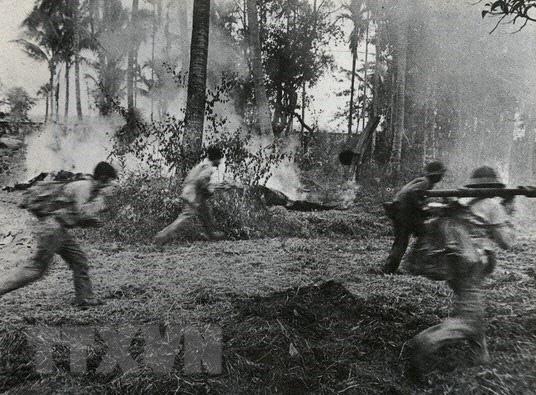 Chiến trường K: Địch giăng bẫy lừa ta vào - Mồi nhử là 12 tử sỹ, máu quân tình nguyện Việt Nam đã đổ - Ảnh 2.