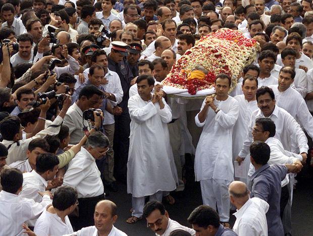 Cuộc chiến tranh giành gia tài của hai anh em tỷ phú Ấn Độ: Huynh đệ tương tàn sau khi cha qua đời, mỗi người một số phận trái ngược nhau  - Ảnh 3.