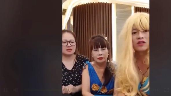 Động thái bất ngờ của vợ chồng cô dâu 65 tuổi ở Đồng Nai và chú rể 24 tuổi sau ồn ào bạo hành - Ảnh 1.