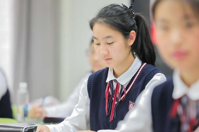 Câu chuyện buồn của thanh thiếu niên Trung Quốc chọn tự tử: Nếu có thể tỏa hương giữa ánh mặt trời, không ai muốn khô héo trong đêm đen - Ảnh 3.