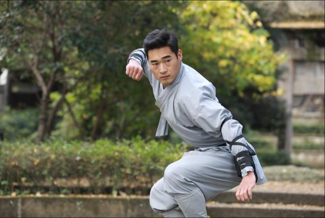 Môn đồ Thiếu Lâm Tự gây ngỡ ngàng khi dùng 1 cú đấm hạ đối thủ sau 10 giây trên đất Mỹ - Ảnh 3.