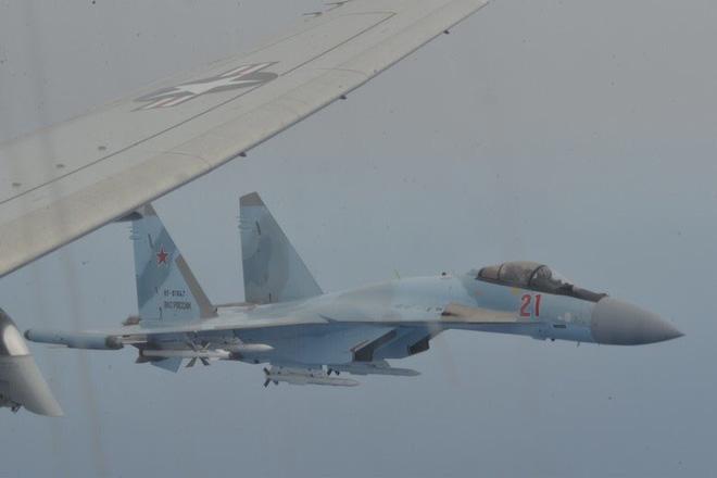 Máy bay Mỹ áp sát căn cứ đầu não Khmeimim ở Syria, tiêm kích Su-35 Nga quên truy kích - Chiến sự Libya đảo chiều quá nhanh - Ảnh 1.