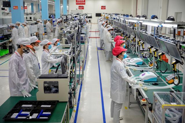 Bloomberg: Thành công của Vingroup sẽ đưa Việt Nam thành người chơi toàn cầu  - Ảnh 1.