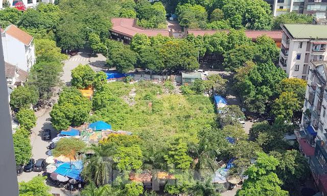 Cận cảnh ô đất vàng dịch vụ cuối cùng đô thị mẫu Hà Nội bỏ hoang 20 năm - Ảnh 3.