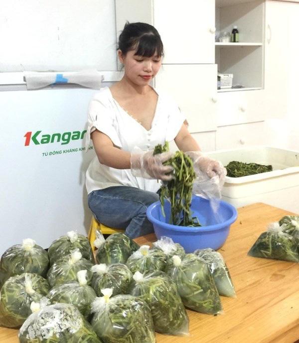 Bán rau sắn muối chua, chị em Hà thành kiếm hơn chục triệu đồng mỗi tháng - Ảnh 3.