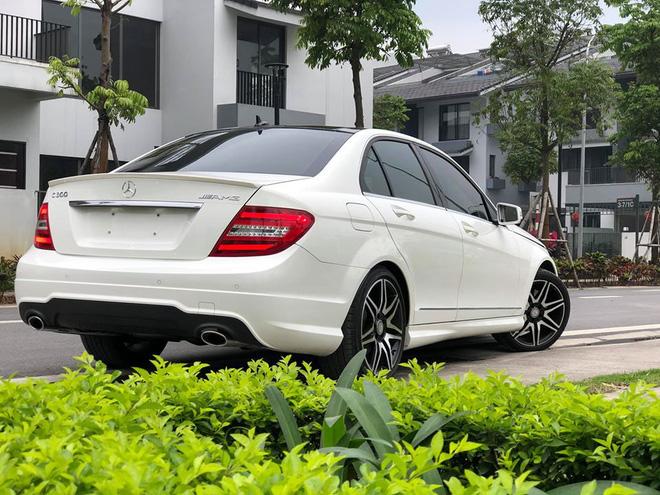 Có 850 triệu, an tâm chọn Mazda3 2020 hay liều mua Mercedes-Benz C300 AMG Plus 7 năm tuổi - Ảnh 4.