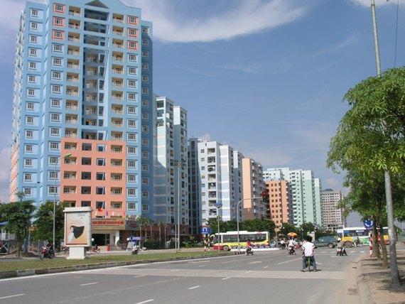 Trong khi thị trường BĐS về căn hộ chung cư và nhà biệt thự, liền kề còn dư thừa gần 1 vạn căn hộ nhưng lại thiếu căn hộ nhỏ và vừa phục vụ nhu cầu của người có thu nhập thấp, trung bình. (Ảnh minh họa)