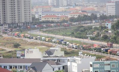 Sự cố gây tắc đường kéo dài 5km.