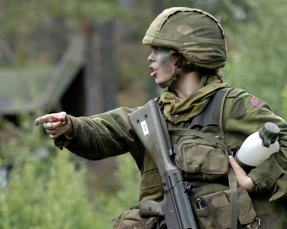 Một nữ binh sĩ của lực lượng Lục quân Na Uy.
