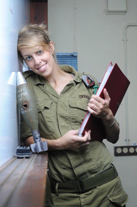 Nữ kỹ sư chiến trường.