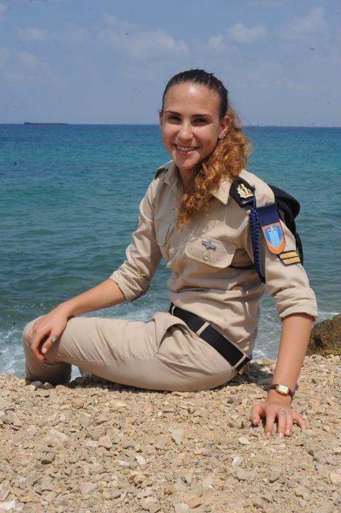 Một người đẹp của Hải quân Israel.