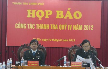 Phó Tổng Thanh tra Chính phủ Ngô Văn Khánh (bên phải). Ảnh: Hoàng Việt.