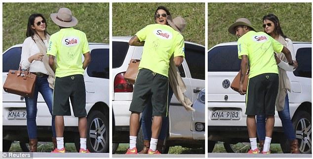 Neymar công khai ve vãn tình cũ