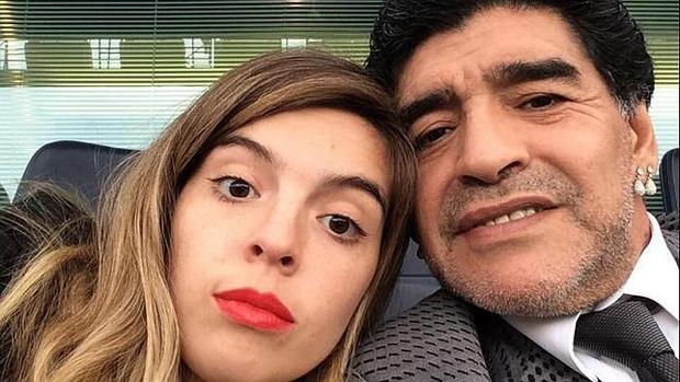 Con gái Maradona có clip sex?