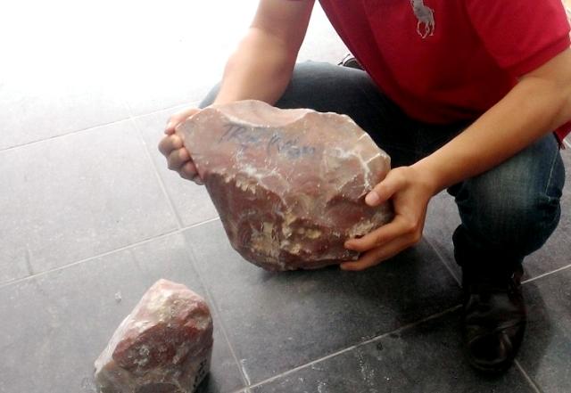 đá, nợ, đá lạ, con buôn, thương lái, Bờ Y, Ngọc Hồi, Trung Quốc