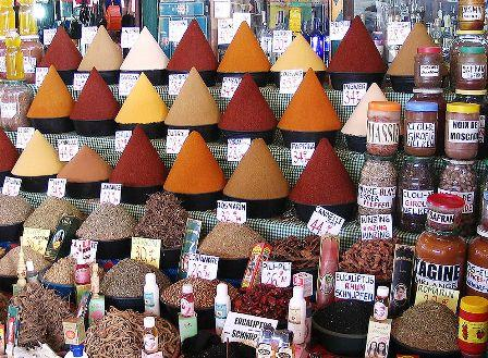 Gia vị của Việt Nam cũng rất phong phú nhưng không được ưa chuộng vì giá thành không rẻ như gia vị Trung Quốc.
