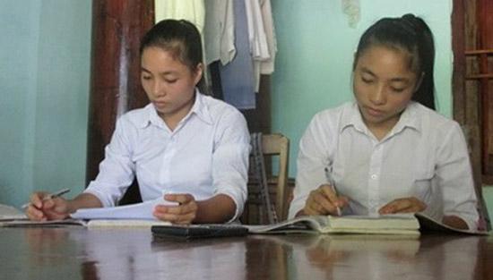 Chị em song sinh nghèo đỗ thủ khoa á khoa đại học
