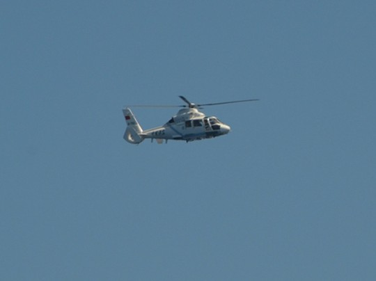 Trực thăng Z-9 của hải cảnh Trung Quốc quần thảo trên khu vực hoạt động của các tàu cảnh sát biển Việt Nam. Nguồn ảnh: Người Lao Động.