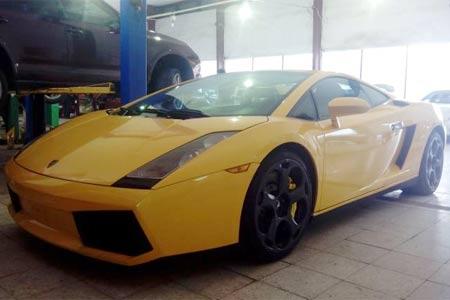 Siêu xe Lamborghini Gallardo đang được rao bán tại Việt Nam với giá 1,435 tỷ đồng