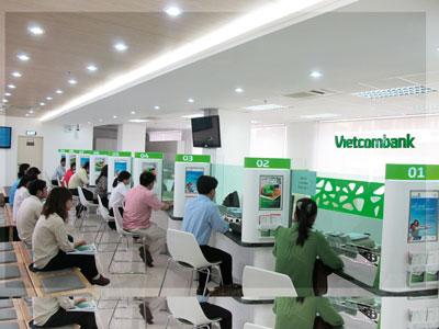 Vietcombank trả lương khủng từ sếp tới nhân viên - Ảnh 1