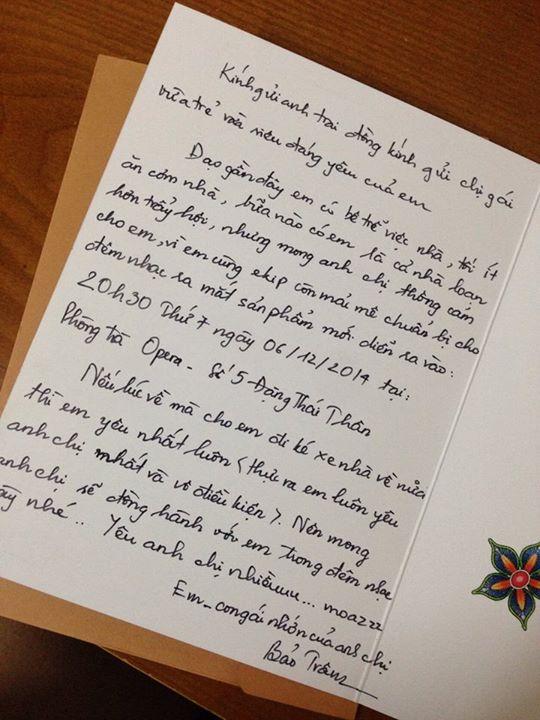 Tấm thiệp mời viết tay của Bảo Trâm gửi cho bố mẹ được đăng tải trên trang cá nhân.