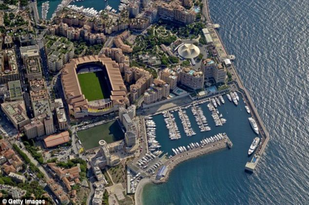 Ông Dmitry nắm phần lớn cổ phần của CLB Monaco kèm SVĐ