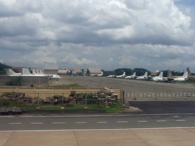 Máy bay vận tải An-26