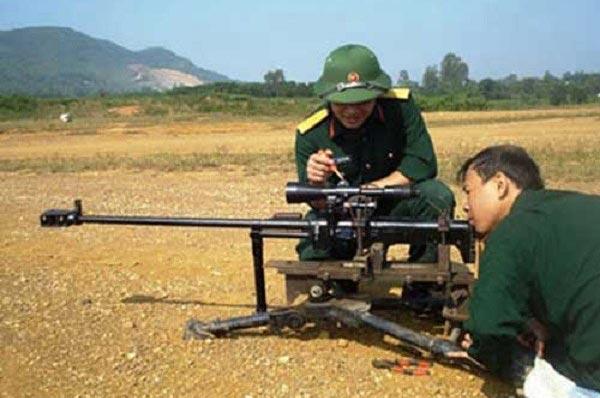 Súng bắn tỉa hạng nặng 12,7mm là sản phẩm mới nhất do công nghiệp quốc phòng Việt Nam chế tạo.