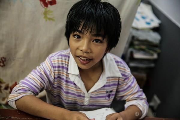 Cận cảnh cuộc sống cơ cực của trẻ em làng cử tạ Trung Quốc 13