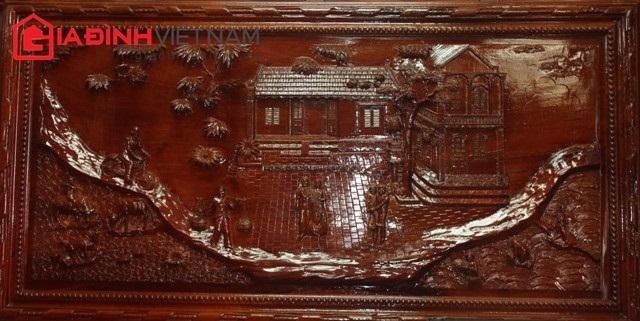 Các tác phẩm chạm khắc đều thể hiện trên những khối gỗ quý hiếm