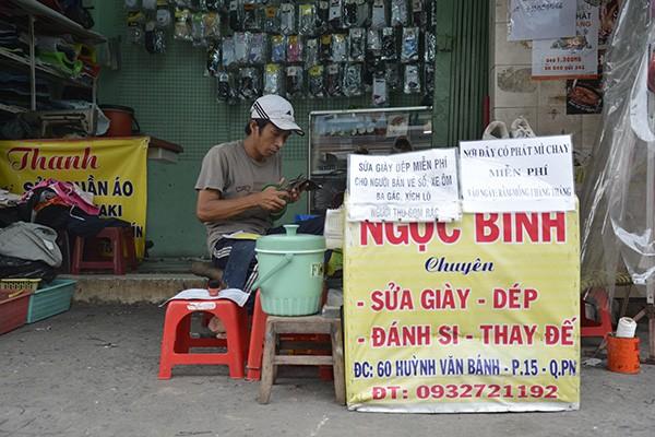 Những tấm biển thông báo ấm áp tình người giữa Sài Gòn hoa lệ 14