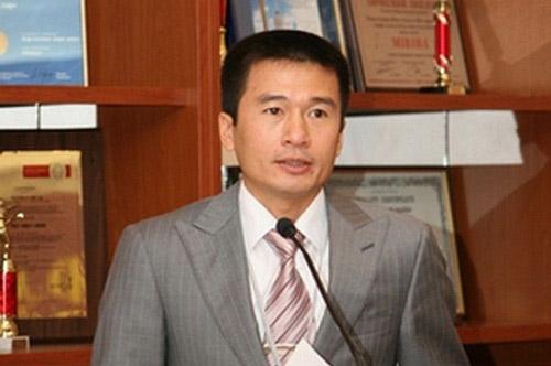 Cùng lứa và cùng xuất phát làm ăn với ông chủ Vingroup, chủ tịch Masan, doanh nhân Lê Viết Lam – ông chủ của Tập đoàn Sun Group hiện là chủ sở hữu hàng loạt bất động sản khủng tại Việt Nam và Ukraine.