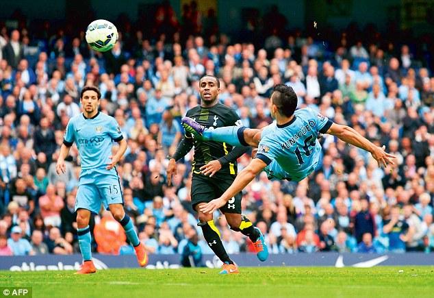 Aguero vừa ghi cả 4 bàn thắng vào lưới Tottenham