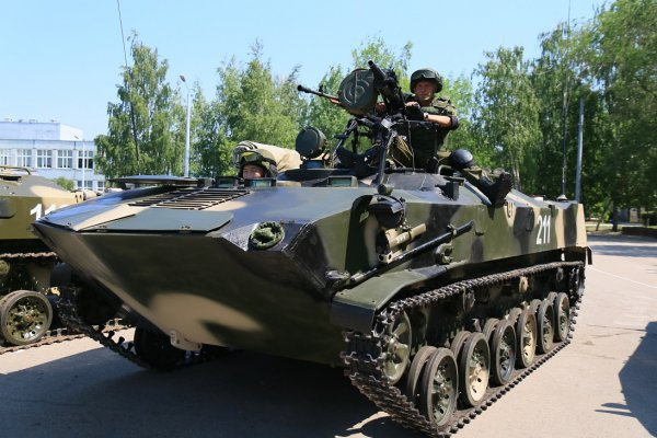 Xe bọc thép chở quân đổ bộ đường không BTR-D. Mẫu xe bọc thép này được