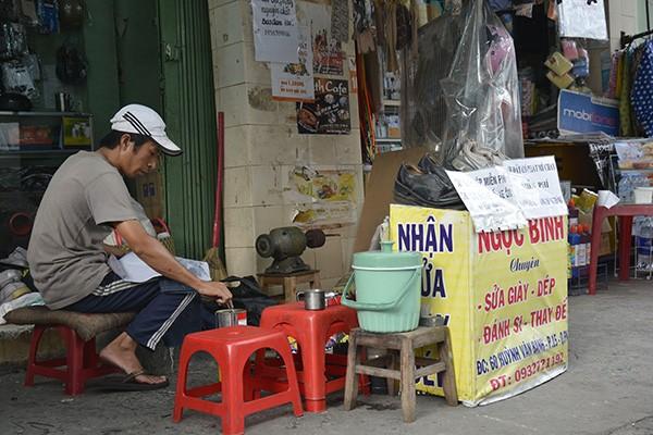 Những tấm biển thông báo ấm áp tình người giữa Sài Gòn hoa lệ 16