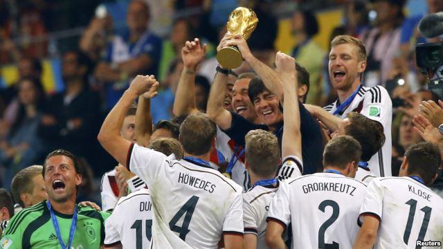 Để được xem một World Cup hoàn hảo là không dễ với các phóng viên/BTV thể thao