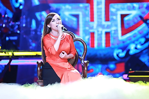 Phi Nhung trên sân khấu Bài hát yêu thích.