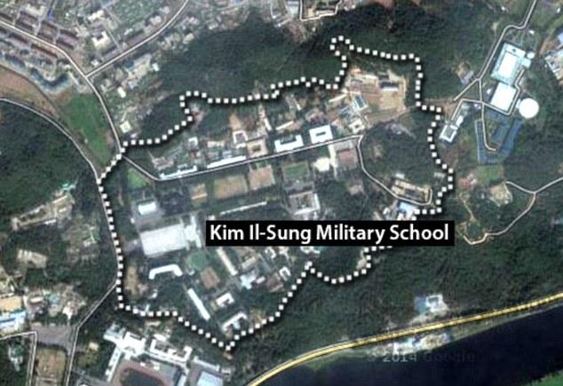 Đại học quân sự Kim Nhật Thành được biết tới là một trong 4 cơ sở nổi tiếng nhất, đào tạo ra các chiến binh mạng cho Triều Tiên.