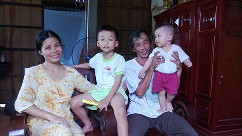 Gia đình hạnh phúc của vợ chồng anh Nguyễn Hồng Kỳ.