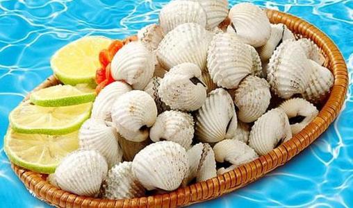 Ăn hải sản kèm với lượng lớn thực phẩm giàu vitamin C thì lại gây hại cho cơ thể.