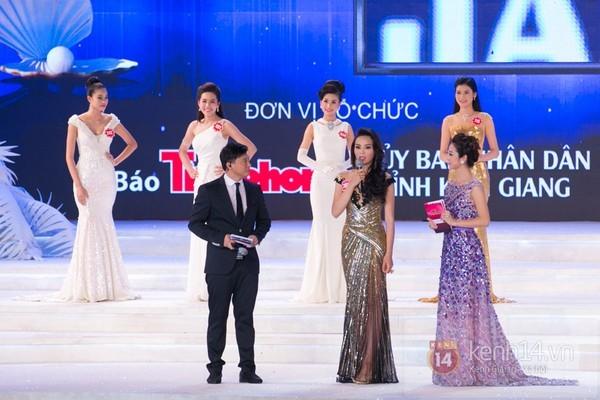 Đạo diễn Lê Hoàng phản pháo câu trả lời ứng xử của Hoa hậu Kỳ Duyên 2